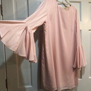 Gianni Bini bell sleeve dress